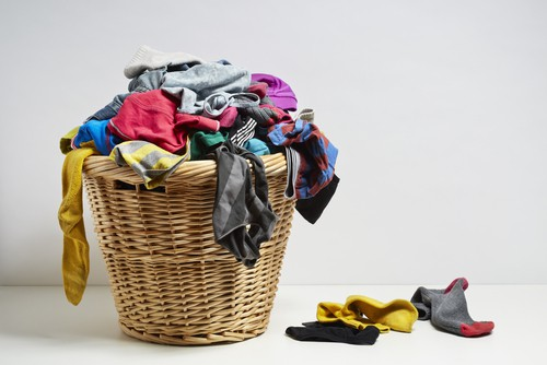 Cleaning dirty laundry